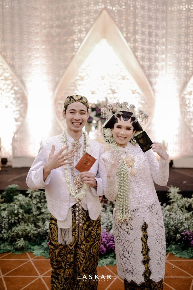 The Wedding Puput & Ali by V&Co Jewellery - 002