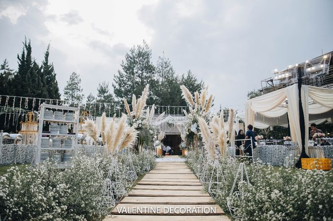 Theo & Hanna  Wedding Decoration by By Laurentialili - 007