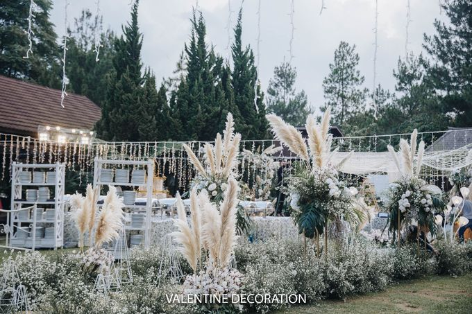 Theo & Hanna  Wedding Decoration by By Laurentialili - 008