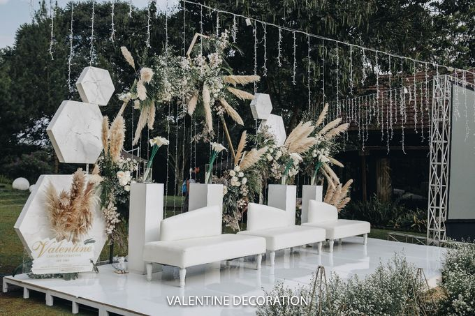Theo & Hanna  Wedding Decoration by By Laurentialili - 009