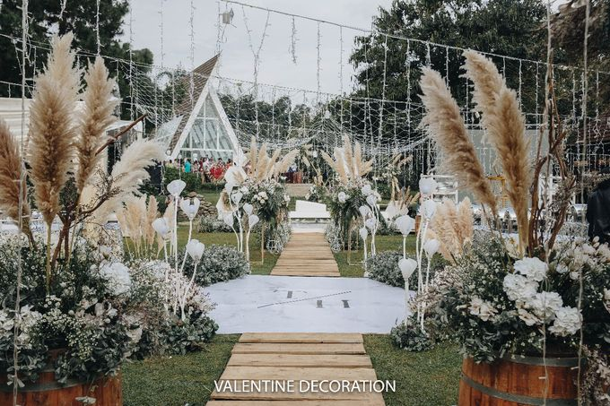 Theo & Hanna  Wedding Decoration by By Laurentialili - 010