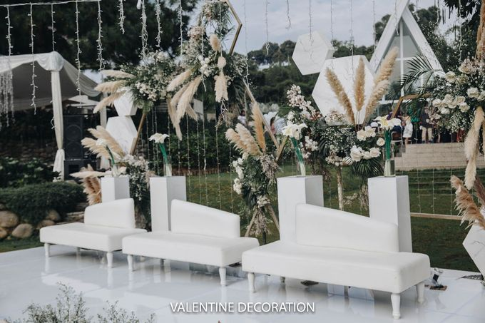 Theo & Hanna  Wedding Decoration by By Laurentialili - 012