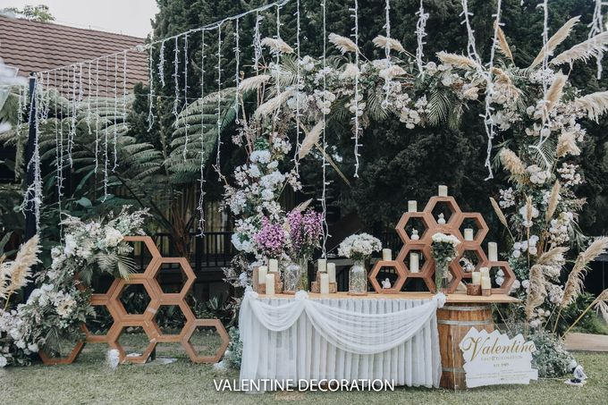 Theo & Hanna  Wedding Decoration by By Laurentialili - 013