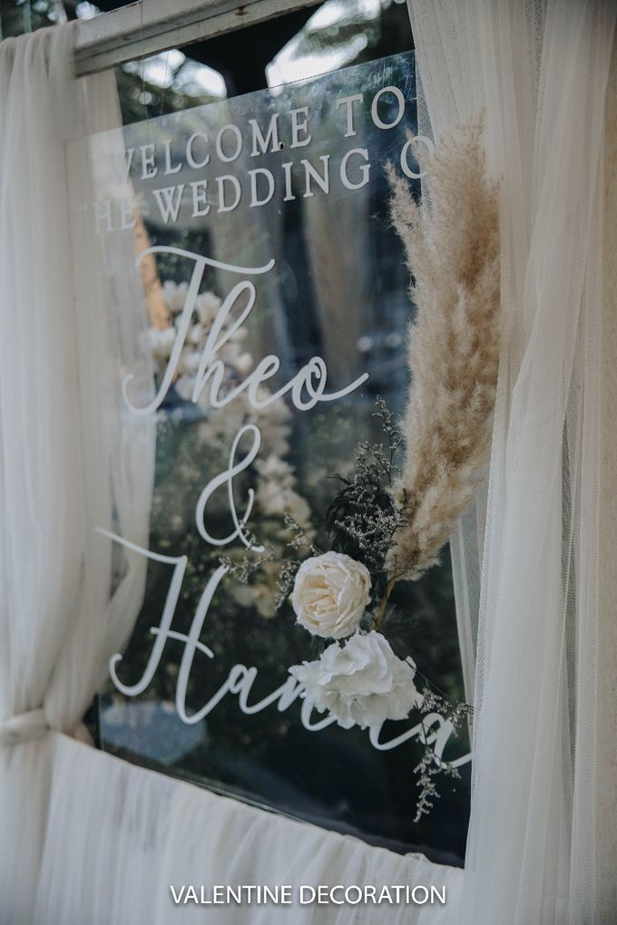 Theo & Hanna  Wedding Decoration by By Laurentialili - 015