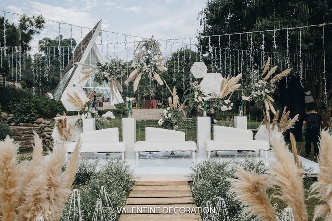 Theo & Hanna  Wedding Decoration by By Laurentialili - 018