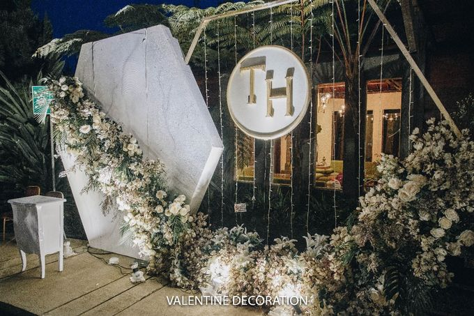 Theo & Hanna  Wedding Decoration by By Laurentialili - 032