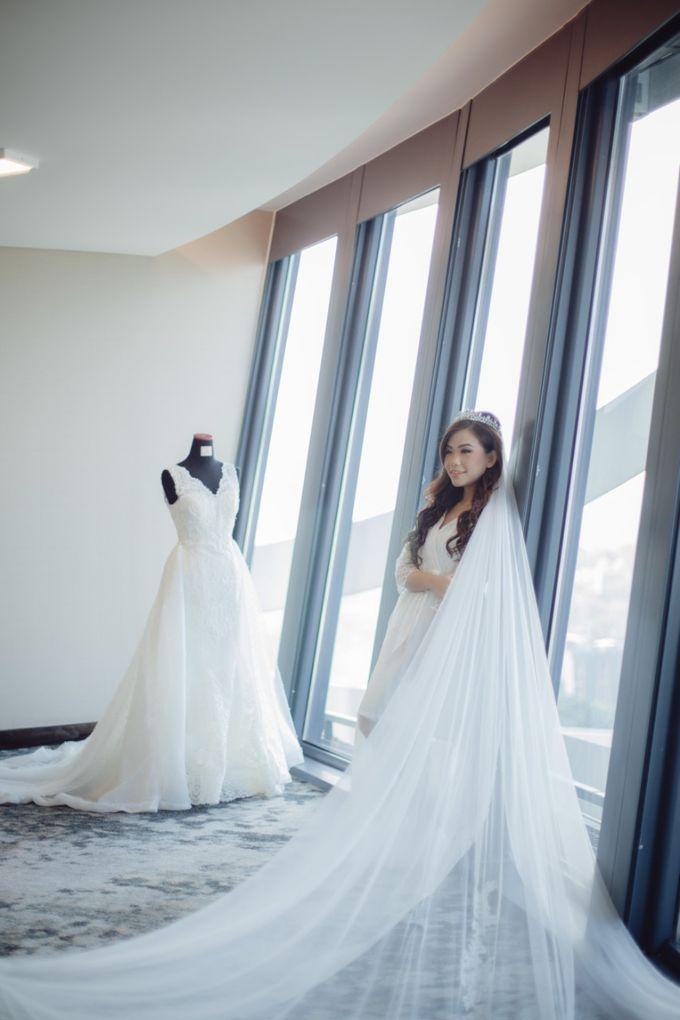 Morning Preparation for Jessica by Elina Wang Bridal - 004