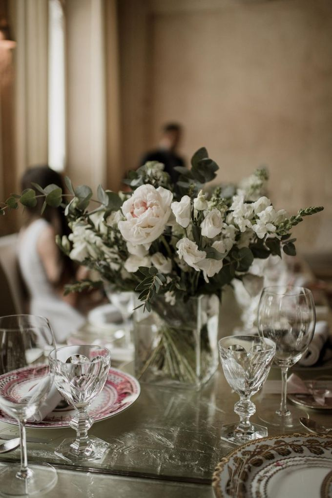 Cozy wedding with best friends by On Point Agency - 006