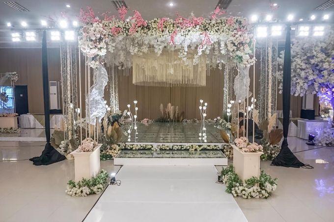Hendrik & Andini Wedding Decoration by Valentine Wedding Decoration - 007