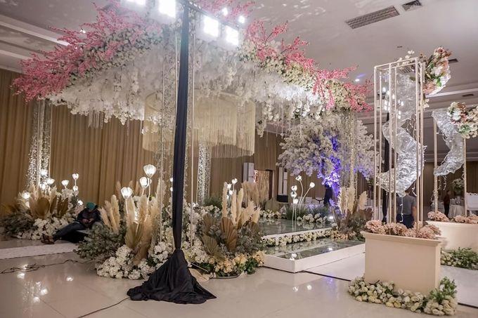 Hendrik & Andini Wedding Decoration by Valentine Wedding Decoration - 010