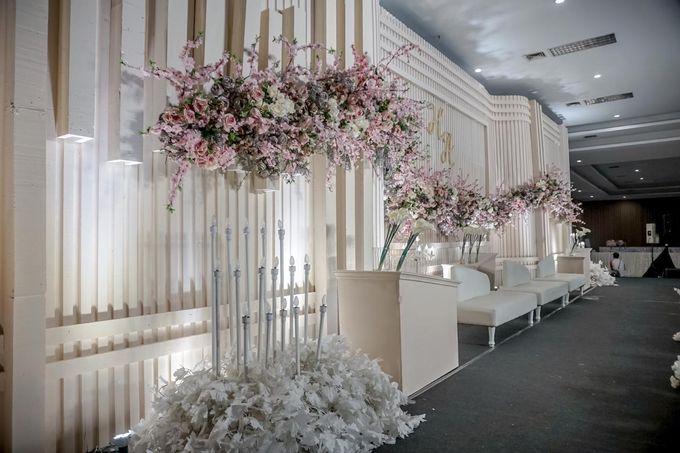 Hendrik & Andini Wedding Decoration by Valentine Wedding Decoration - 011