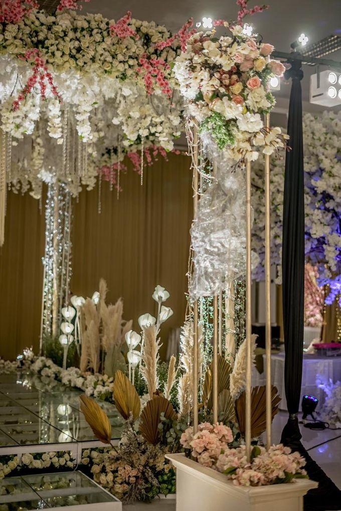 Hendrik & Andini Wedding Decoration by Valentine Wedding Decoration - 015
