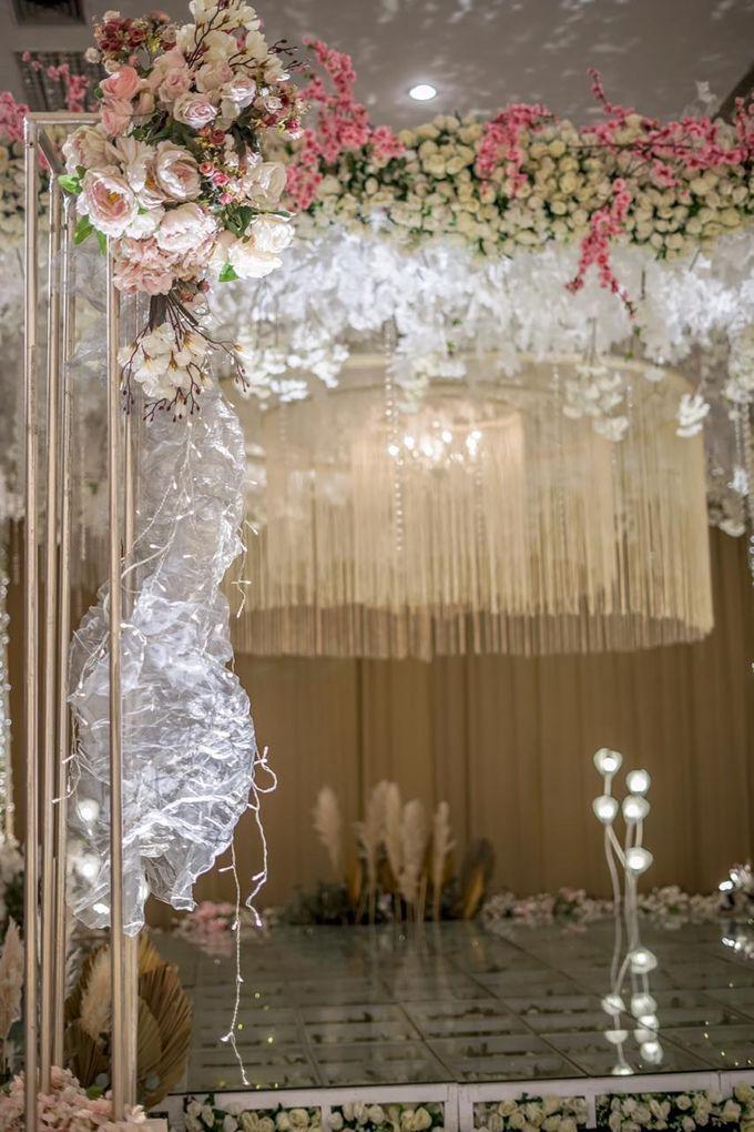 Hendrik & Andini Wedding Decoration by Valentine Wedding Decoration - 021