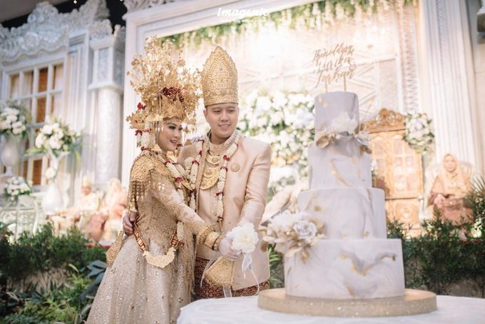 The Wedding of Wurika & Farhan by KAIA Cakes & Co. - 005