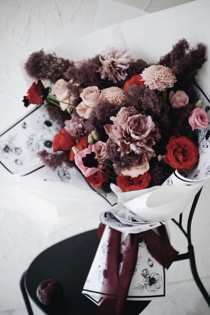 Indah Engagement Bouquet by Bloomette - 002