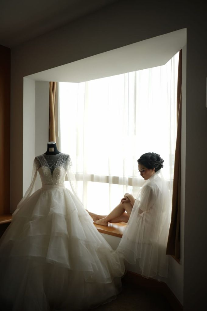 Gamma & Felicia Wedding Preparation by Elina Wang Bridal - 006