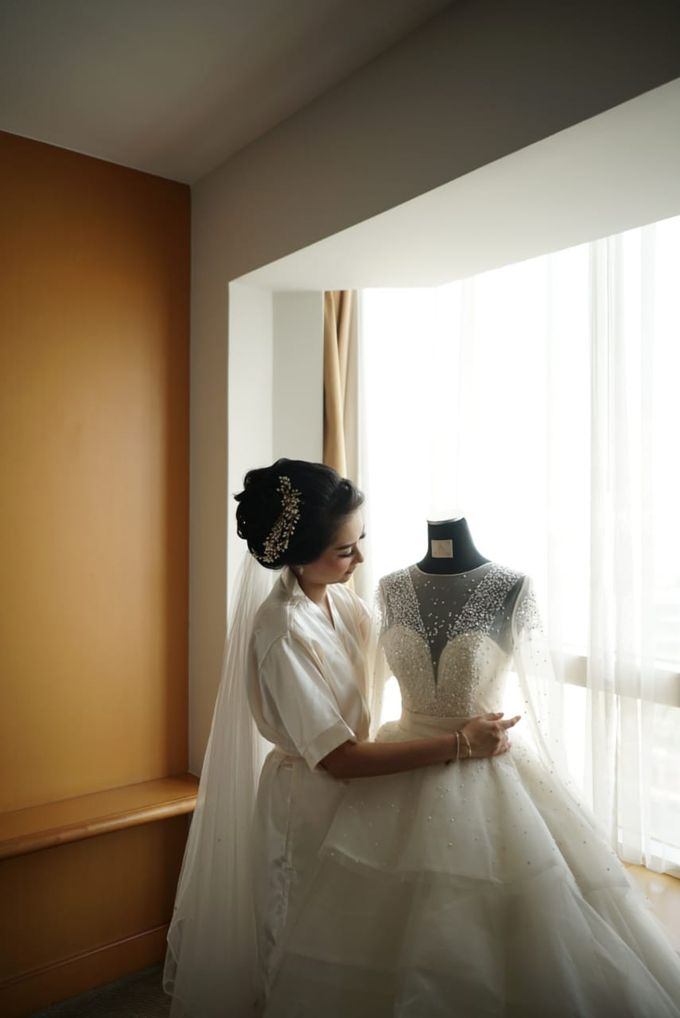 Gamma & Felicia Wedding Preparation by Elina Wang Bridal - 007
