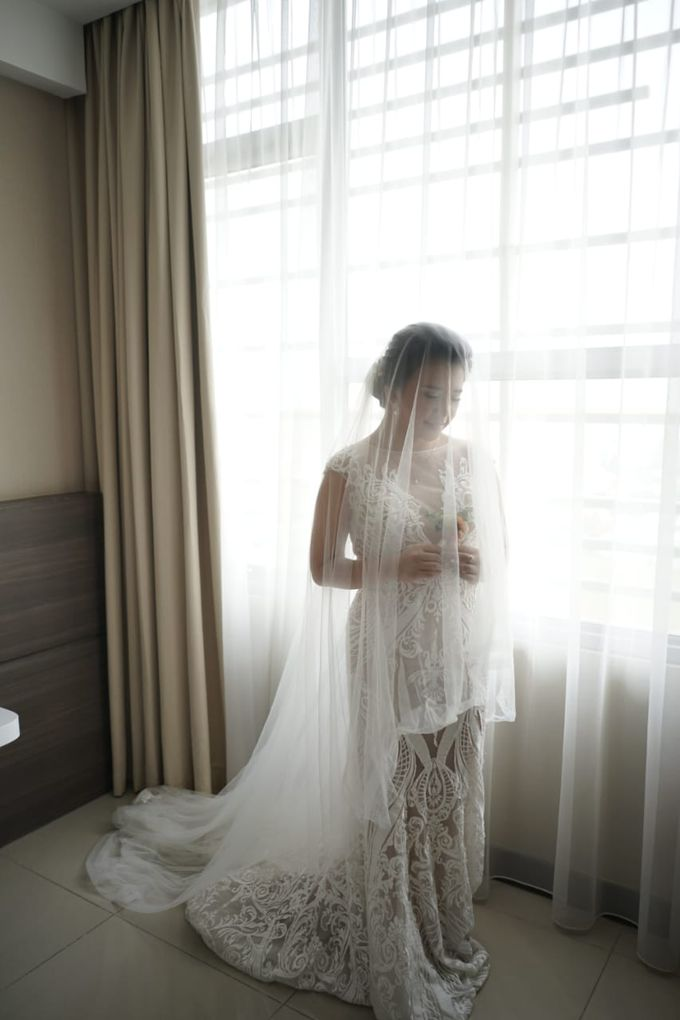 Evan & Cynthia Wedding Preparation by Elina Wang Bridal - 002