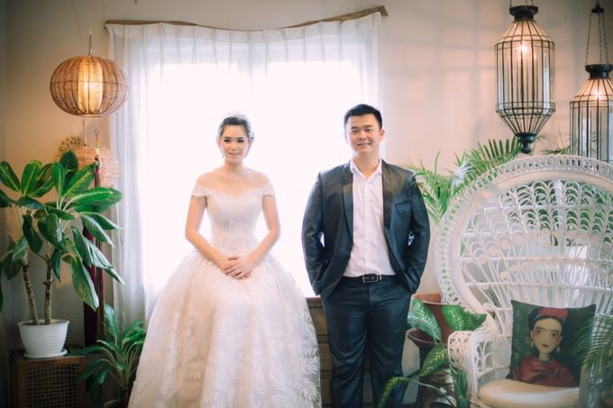 Vebri & Venni Prewedding by Elina Wang Bridal - 007