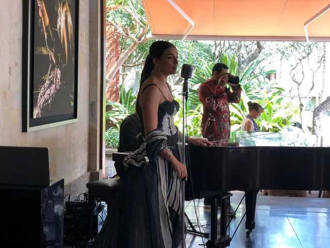 Charity Singing at The Legian Resort by Eva Scolaro Entertainment The Agency - 002