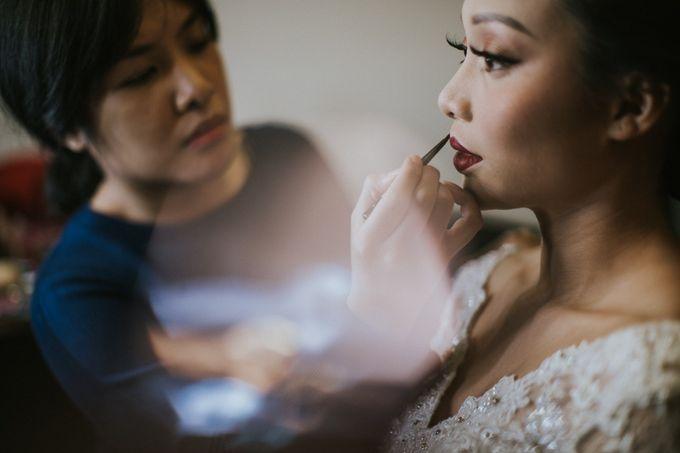 Warm & Intimate Wedding Syiki & Andhika at Suasana Restaurant by Sugarbee Wedding Organizer - 004