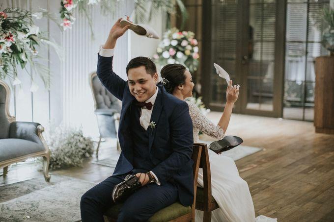 Warm & Intimate Wedding Syiki & Andhika at Suasana Restaurant by Sugarbee Wedding Organizer - 014