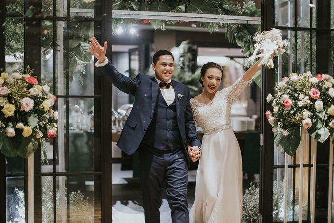 Warm & Intimate Wedding Syiki & Andhika at Suasana Restaurant by Sugarbee Wedding Organizer - 008