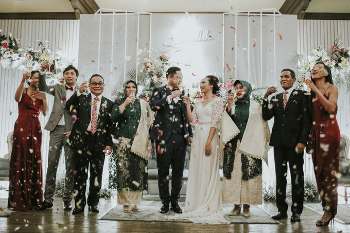 Warm & Intimate Wedding Syiki & Andhika at Suasana Restaurant by Sugarbee Wedding Organizer - 009