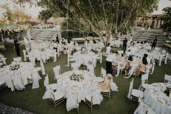 The Wedding of Anita & Kevin by LeNovelle Cake - 010