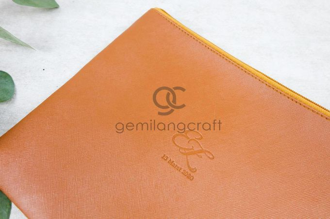 premium big zipper pouch packaging roll paper for Evan Dimas & Zahra Hakim by Gemilang Craft - 003