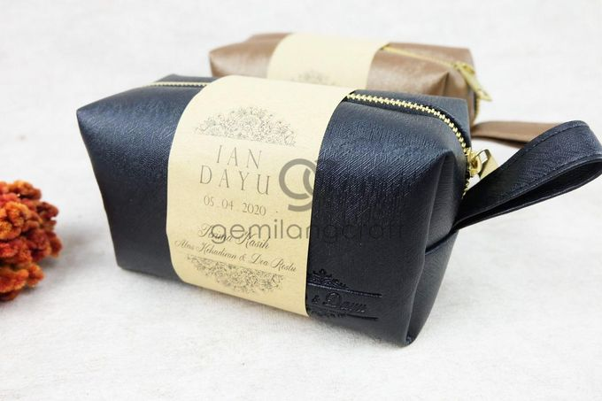 premium boxy pouch packaging roll paper for Ian & Dayu by Gemilang Craft - 002