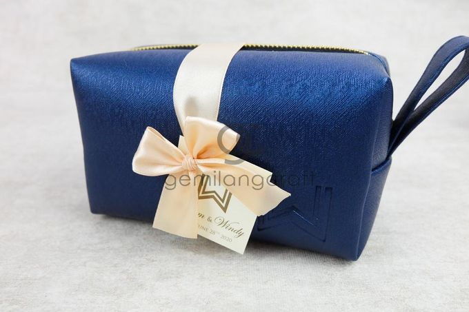 premium boxy pouch paackaging ribbon for willyam & windy by Gemilang Craft - 003