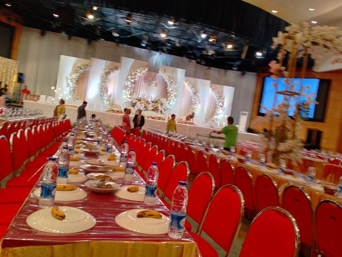 Combination  Traditional Tapanuli and Mixed Modern Wedding Reception by Dome Harvest - 016