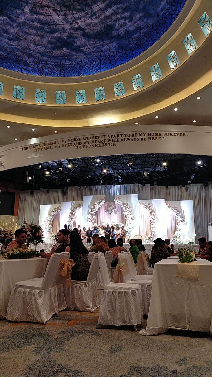 Combination  Traditional Tapanuli and Mixed Modern Wedding Reception by Dome Harvest - 004