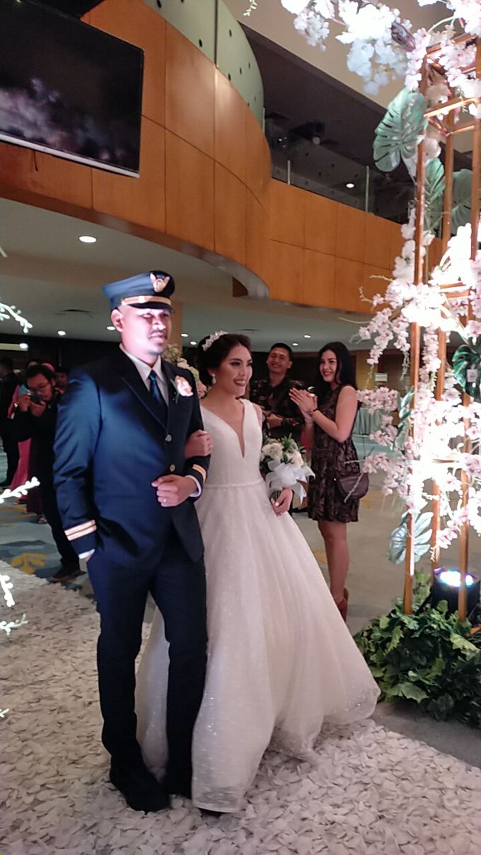 Combination  Traditional Tapanuli and Mixed Modern Wedding Reception by Dome Harvest - 006