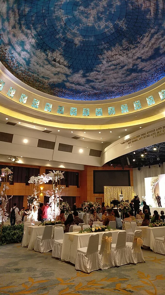 Combination  Traditional Tapanuli and Mixed Modern Wedding Reception by Dome Harvest - 017
