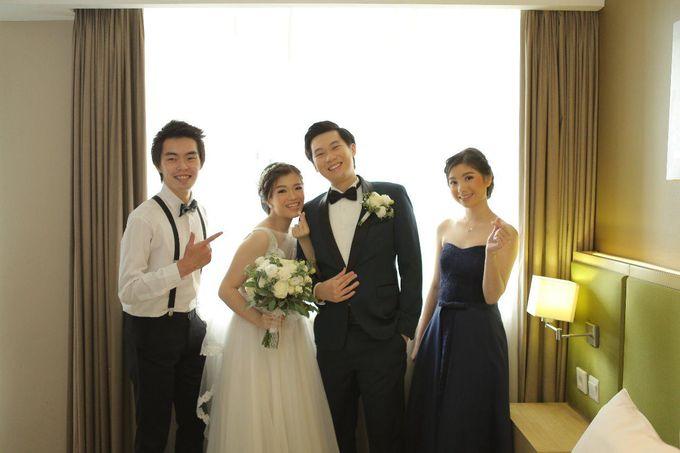 Angela & Willy Wedding at eL Hotel Royale Jakarta by Jesblossom House Of Flower - 012