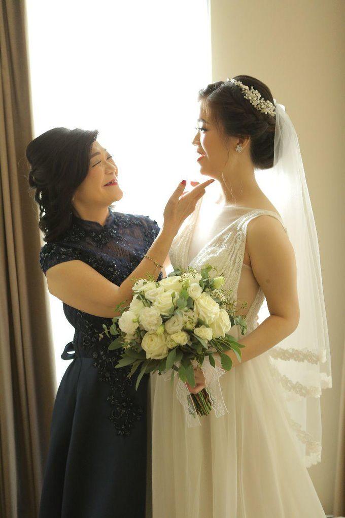 Angela & Willy Wedding at eL Hotel Royale Jakarta by Jesblossom House Of Flower - 013