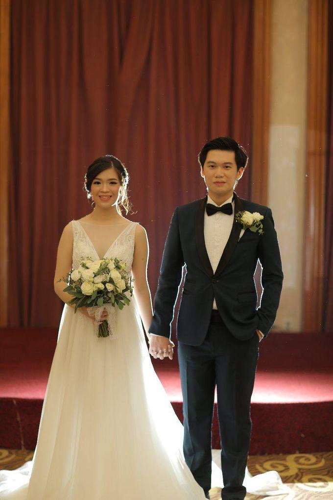 Angela & Willy Wedding at eL Hotel Royale Jakarta by Jesblossom House Of Flower - 002
