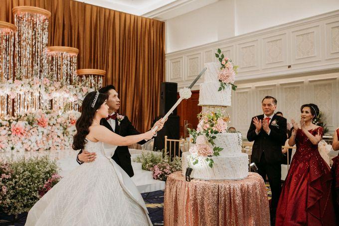 INTERNATIONAL WEDDING OF ANDRYAN & CALANDRA by Skenoo Hall Emporium Pluit by IKK Wedding - 006