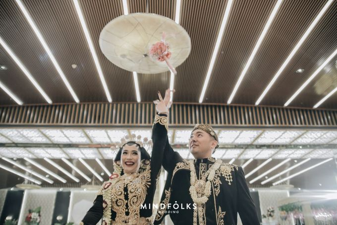 Javanese Wedding of Trian dan Amira by  Menara Mandiri by IKK Wedding (ex. Plaza Bapindo) - 005