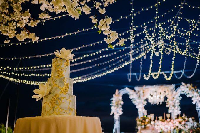 Elegant Vintage Coral Peach Palette for Willy and Luphyta Wedding at Plenilunio Villa Uluwatu by Bali Wedding Atelier - 025