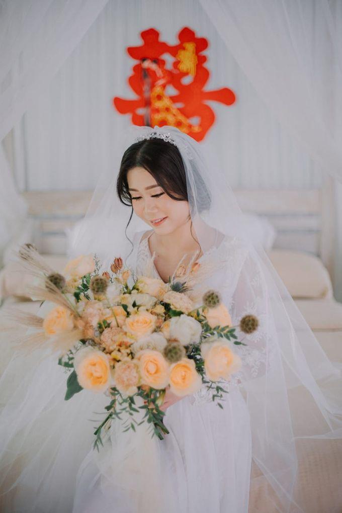 Elegant Vintage Coral Peach Palette for Willy and Luphyta Wedding at Plenilunio Villa Uluwatu by Bali Wedding Atelier - 004