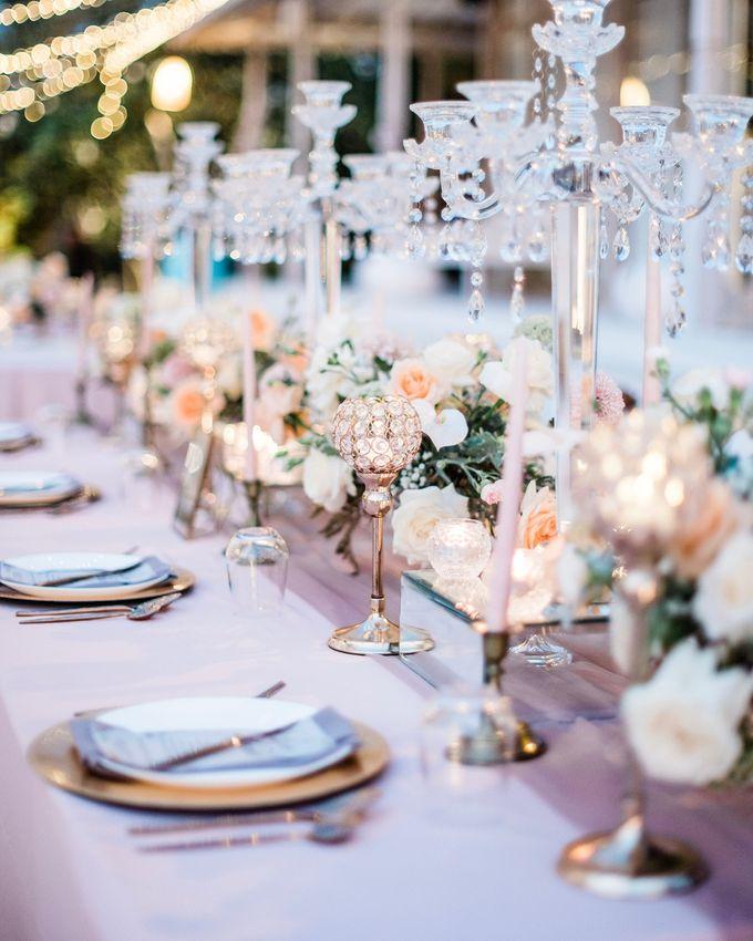 Elegant Vintage Coral Peach Palette for Willy and Luphyta Wedding at Plenilunio Villa Uluwatu by Bali Wedding Atelier - 021