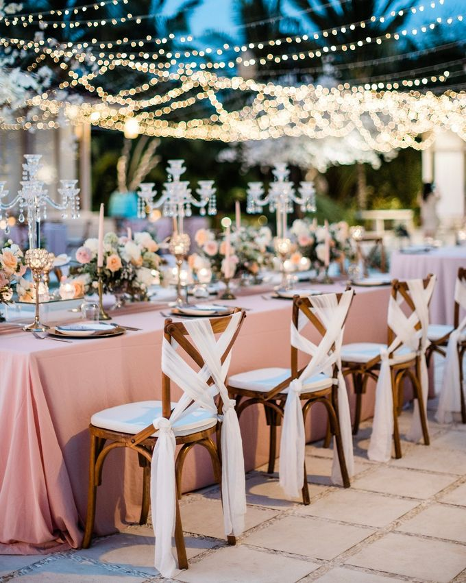 Elegant Vintage Coral Peach Palette for Willy and Luphyta Wedding at Plenilunio Villa Uluwatu by Bali Wedding Atelier - 018