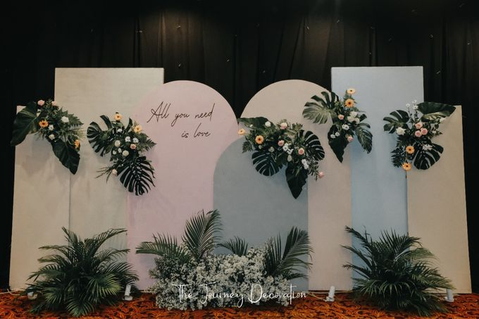 Gaby & Reeve by The Journey Decor - 005