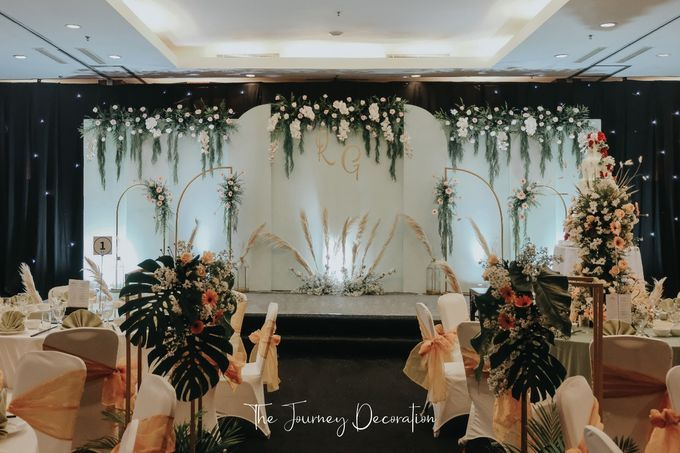 Gaby & Reeve by The Journey Decor - 001