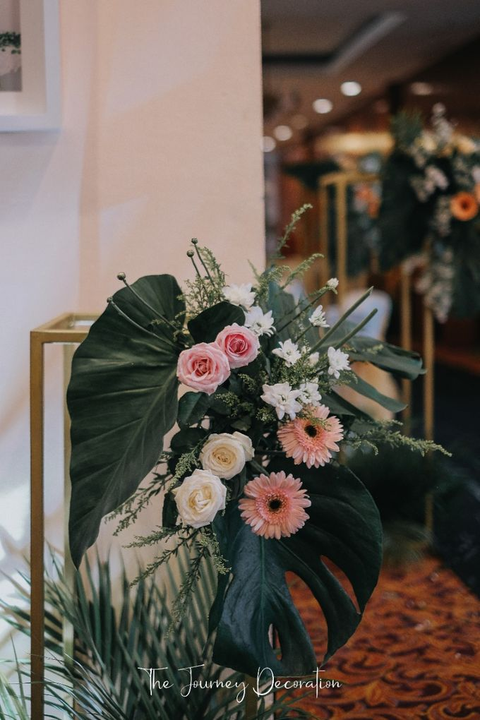 Gaby & Reeve by The Journey Decor - 016
