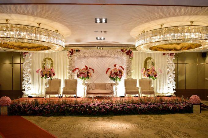 Premium Intimate Wedding at Ambhara Hotel Jakarta by Bright Wedding Jakarta - 005