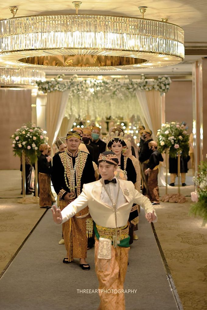 Premium Intimate Wedding at Ambhara Hotel Jakarta by Bright Wedding Jakarta - 007